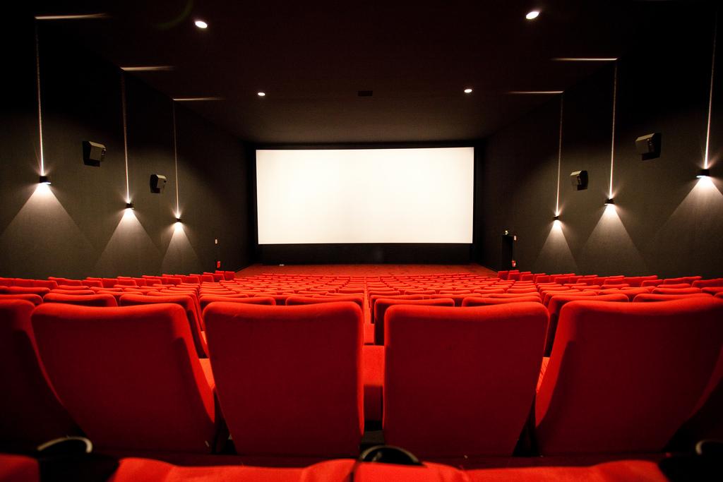 Salle-de-cinéma-Crédits-m4tik-licence-Creative-Commons